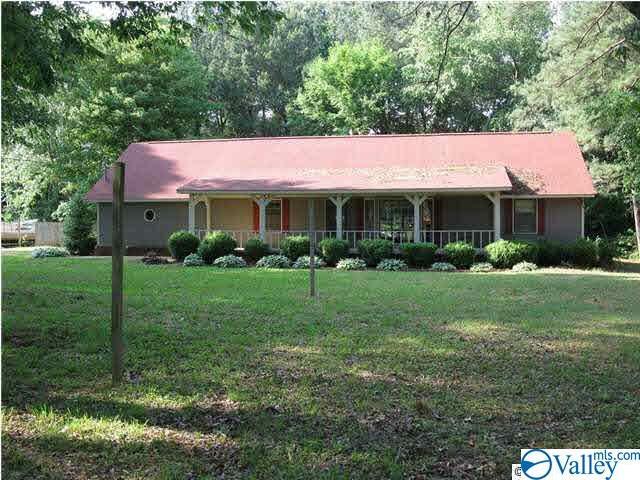 111 Lo Ann Lane, HUNTSVILLE, Alabama 35811, 3 Bedrooms Bedrooms, ,2 BathroomsBathrooms,Single Family,For Sale,111 Lo Ann Lane,1777410