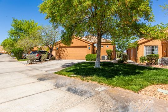 199 Palmer Ln, Mesquite, Nevada 89027, 3 Bedrooms Bedrooms, ,3 BathroomsBathrooms,Townhouse,For Sale,199 Palmer Ln,1122264