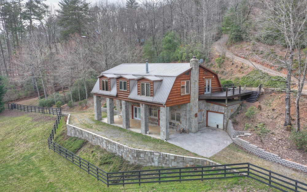 2873 OLD PARKER PLACE, Ellijay, Georgia 30536, 3 Bedrooms Bedrooms, ,2 BathroomsBathrooms,Single Family,For Sale,2873 OLD PARKER PLACE,305854