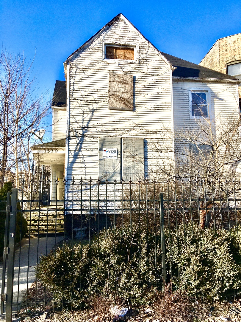 1530 East Marquette Road, Chicago, Illinois 60637, 4 Bedrooms Bedrooms, ,2 BathroomsBathrooms,Single Family,For Sale,1530 East Marquette Road,3,11046535