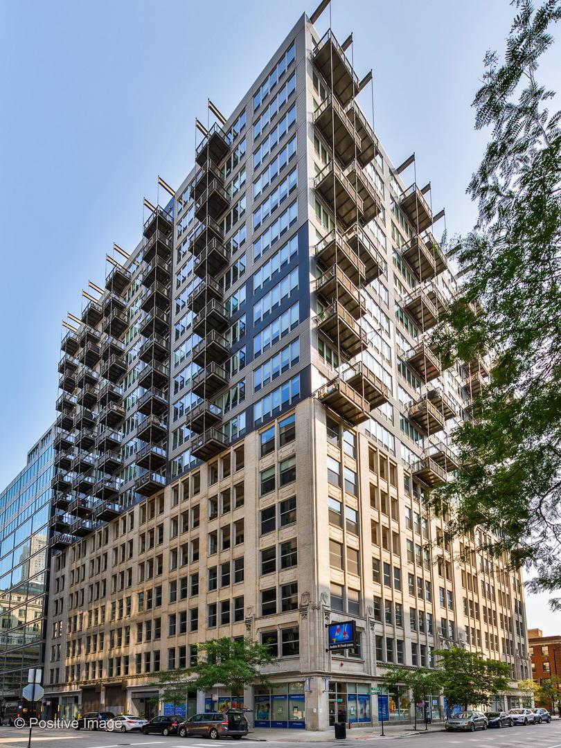 565 West Quincy Street, Chicago, Illinois 60661, 1 Bedroom Bedrooms, ,2 BathroomsBathrooms,Condominium,For Sale,565 West Quincy Street,11044311