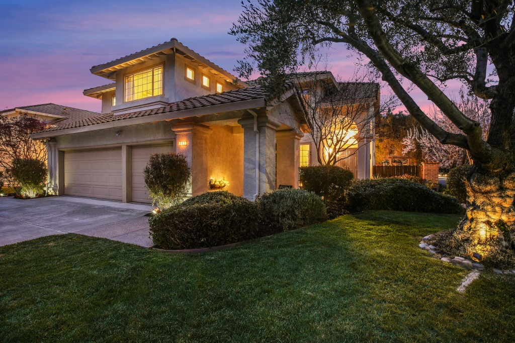 582 Firenza, LIVERMORE, California 94551, 4 Bedrooms Bedrooms, ,3 BathroomsBathrooms,Single Family,For Sale,582 Firenza,2,40941951