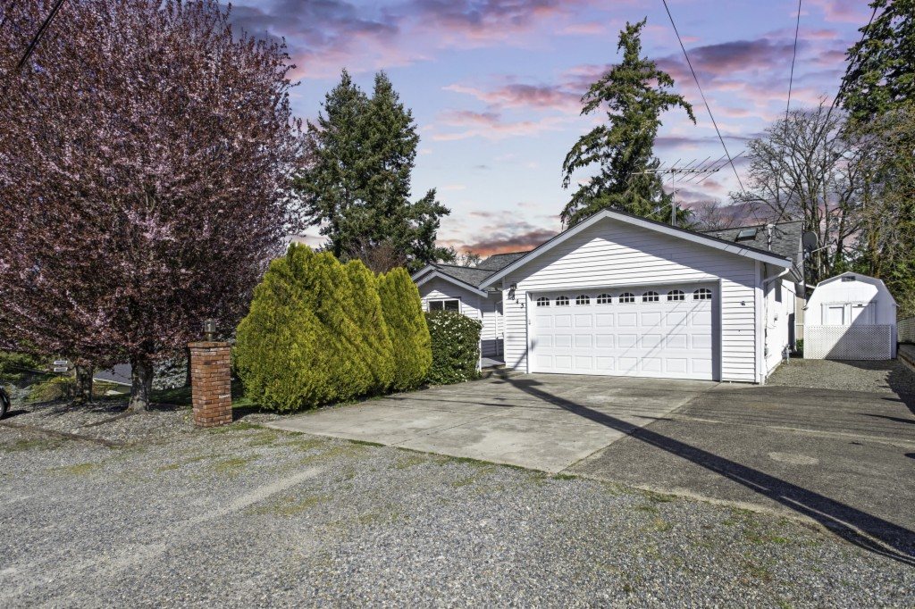 1845 7th St SE, Puyallup, Washington 98372, 3 Bedrooms Bedrooms, ,2 BathroomsBathrooms,Single Family,For Sale,1845 7th St SE,2,1754083