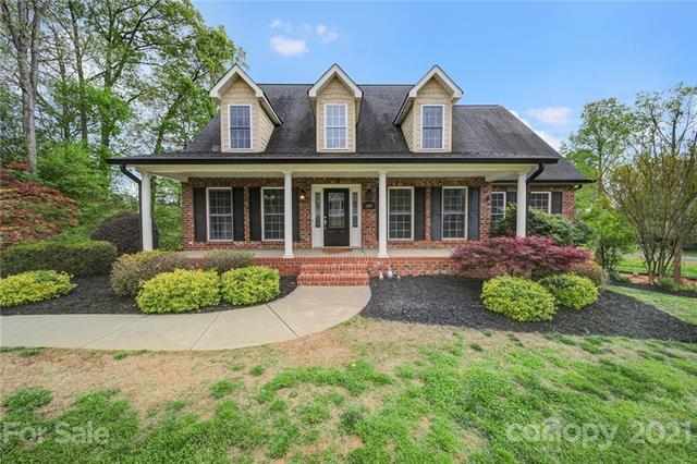 209 Heather Glen Lane, Belmont, North Carolina 28012-9769, 5 Bedrooms Bedrooms, ,3 BathroomsBathrooms,Single Family,For Sale,209 Heather Glen Lane,2,3728920