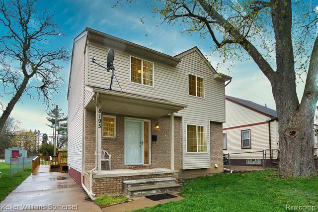 8195 FENTON Street, Dearborn Heights, Michigan 48127, 4 Bedrooms Bedrooms, ,4 BathroomsBathrooms,Single Family,For Sale,8195 FENTON Street,2,2210025240