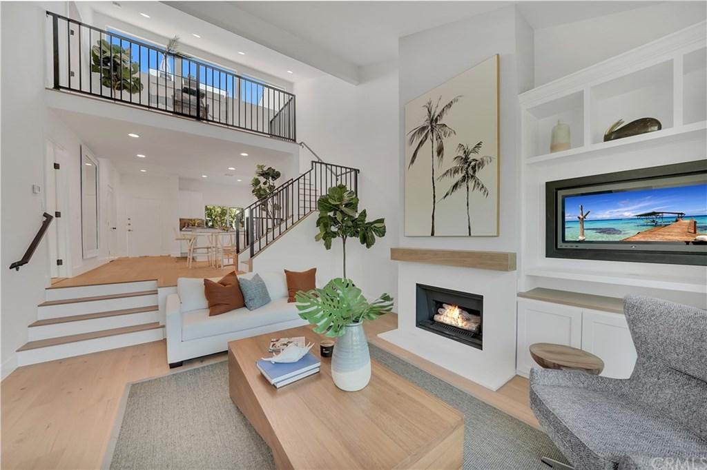 16 Robon Court, Newport Beach, California 92663, 4 Bedrooms Bedrooms, ,4 BathroomsBathrooms,Condominium,For Sale,16 Robon Court,1,OC21070603