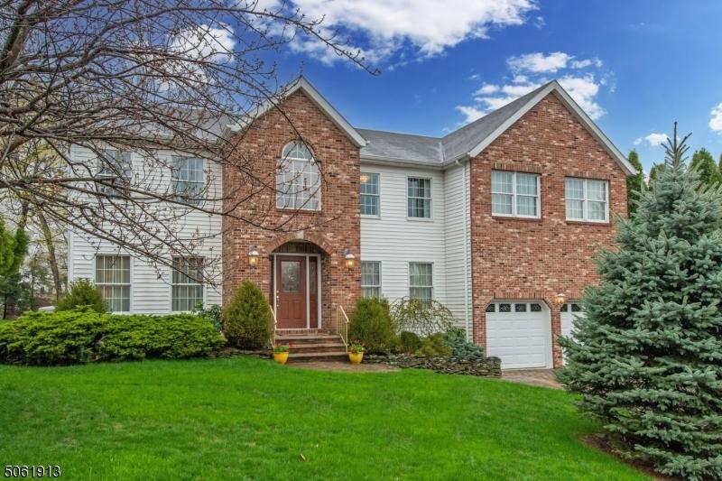 3 Fox Boro Rd, Wayne Twp., New Jersey 07470-8442, 5 Bedrooms Bedrooms, ,4 BathroomsBathrooms,Single Family,For Sale,3 Fox Boro Rd,3703842