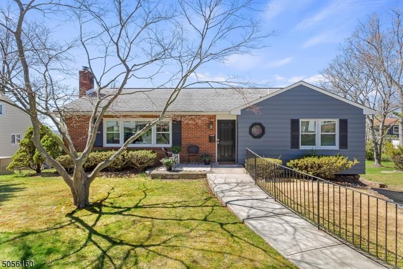 11 Beech Rd, West Orange Twp., New Jersey 07052-1203, 3 Bedrooms Bedrooms, ,3 BathroomsBathrooms,Single Family,For Sale,11 Beech Rd,3705132
