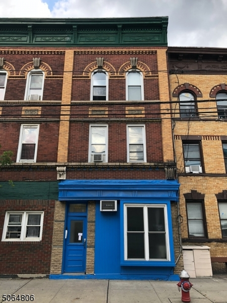 686 Summit Ave, Jersey City, New Jersey 07306-2507, 3 Bedrooms Bedrooms, ,3 BathroomsBathrooms,Multifamily,For Sale,686 Summit Ave,3706295