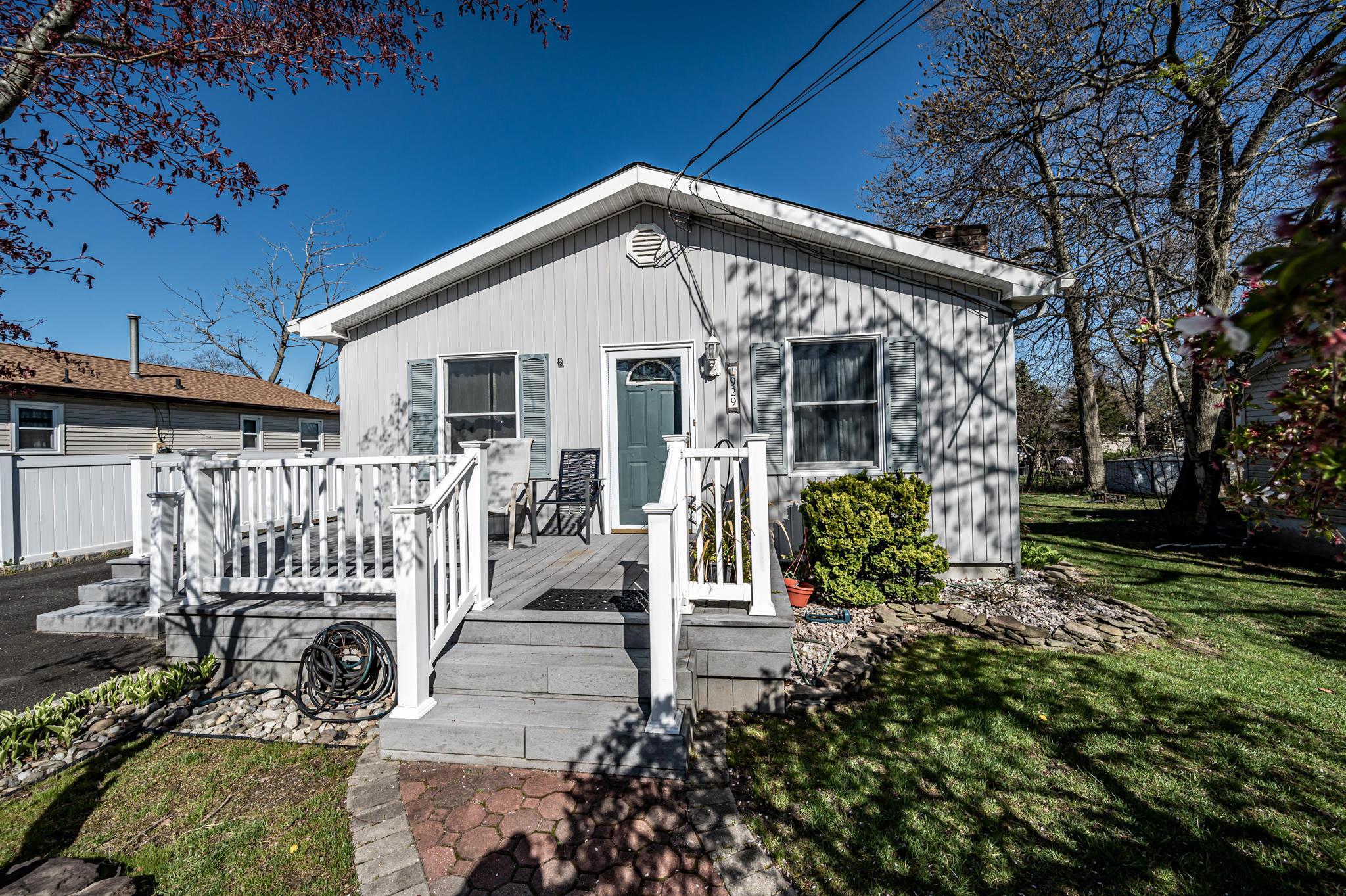 929 Everett Street, Toms River, New Jersey 08753, 3 Bedrooms Bedrooms, ,1 BathroomBathrooms,Single Family,For Sale,929 Everett Street,1,22111255