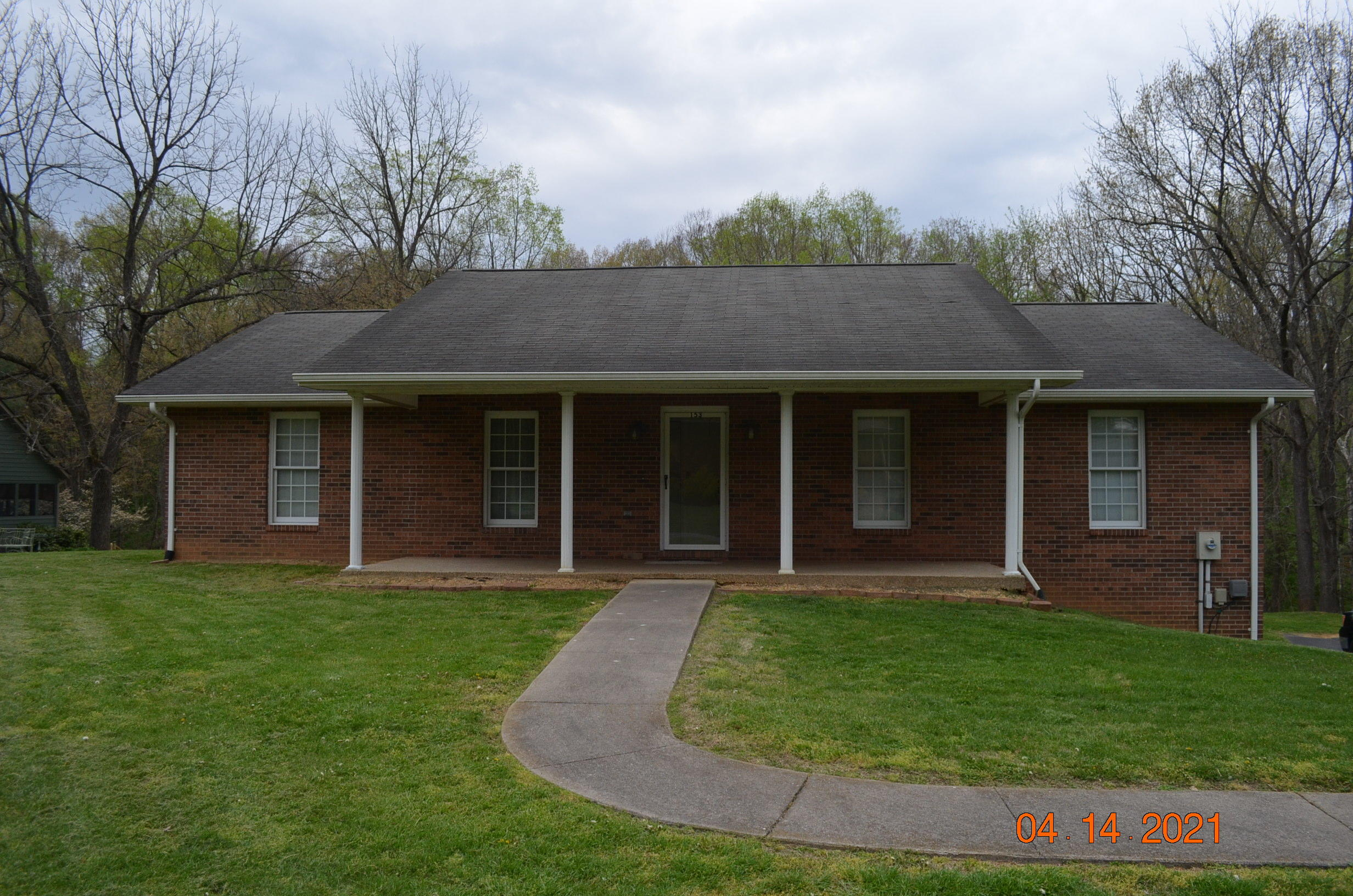 153 Rippling Run, Kingsport, Tennessee 37663, 3 Bedrooms Bedrooms, ,3 BathroomsBathrooms,Single Family,For Sale,153 Rippling Run,1,9920980