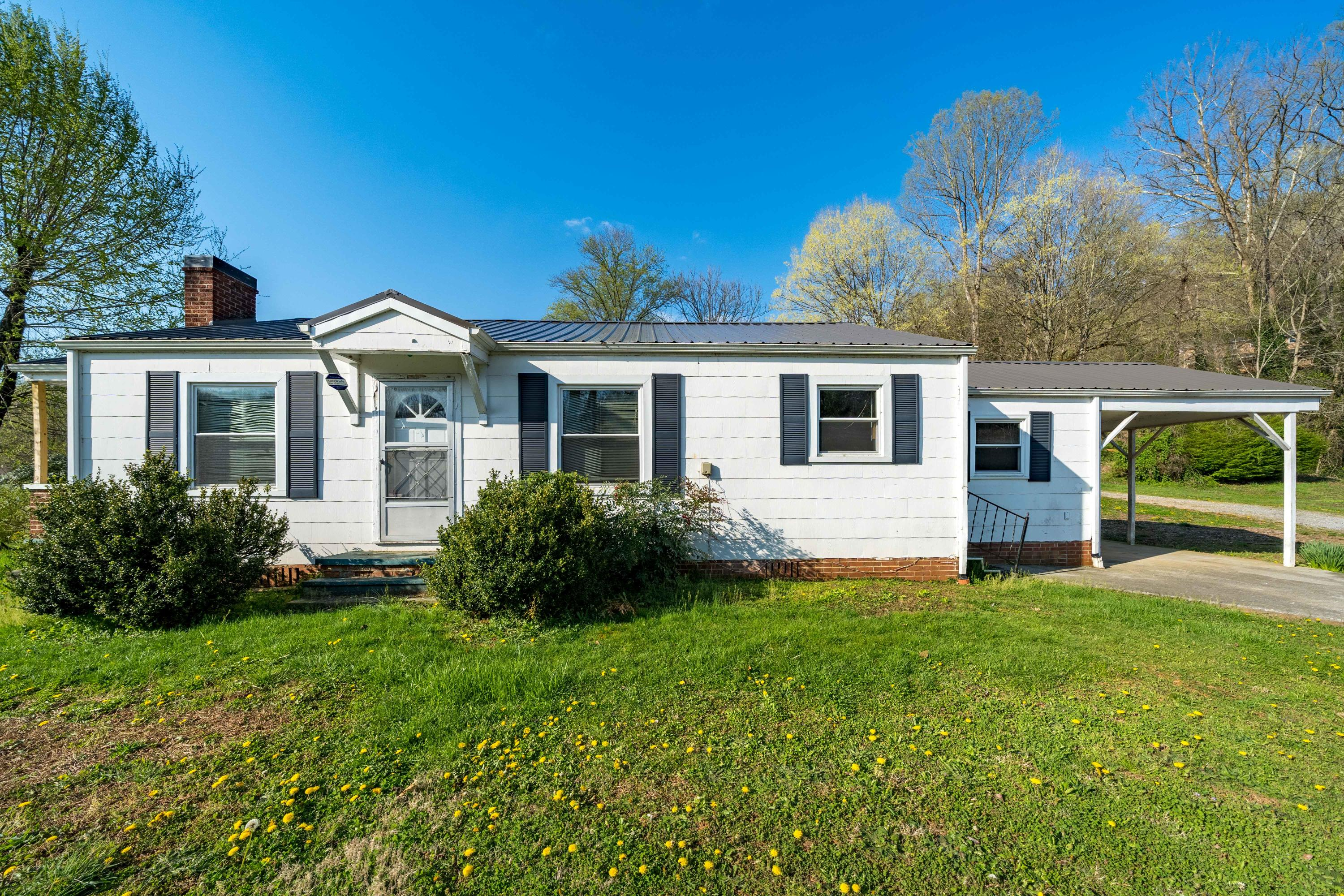 5270 Fort Henry Drive, Kingsport, Tennessee 37663, 3 Bedrooms Bedrooms, ,2 BathroomsBathrooms,Single Family,For Sale,5270 Fort Henry Drive,9920880
