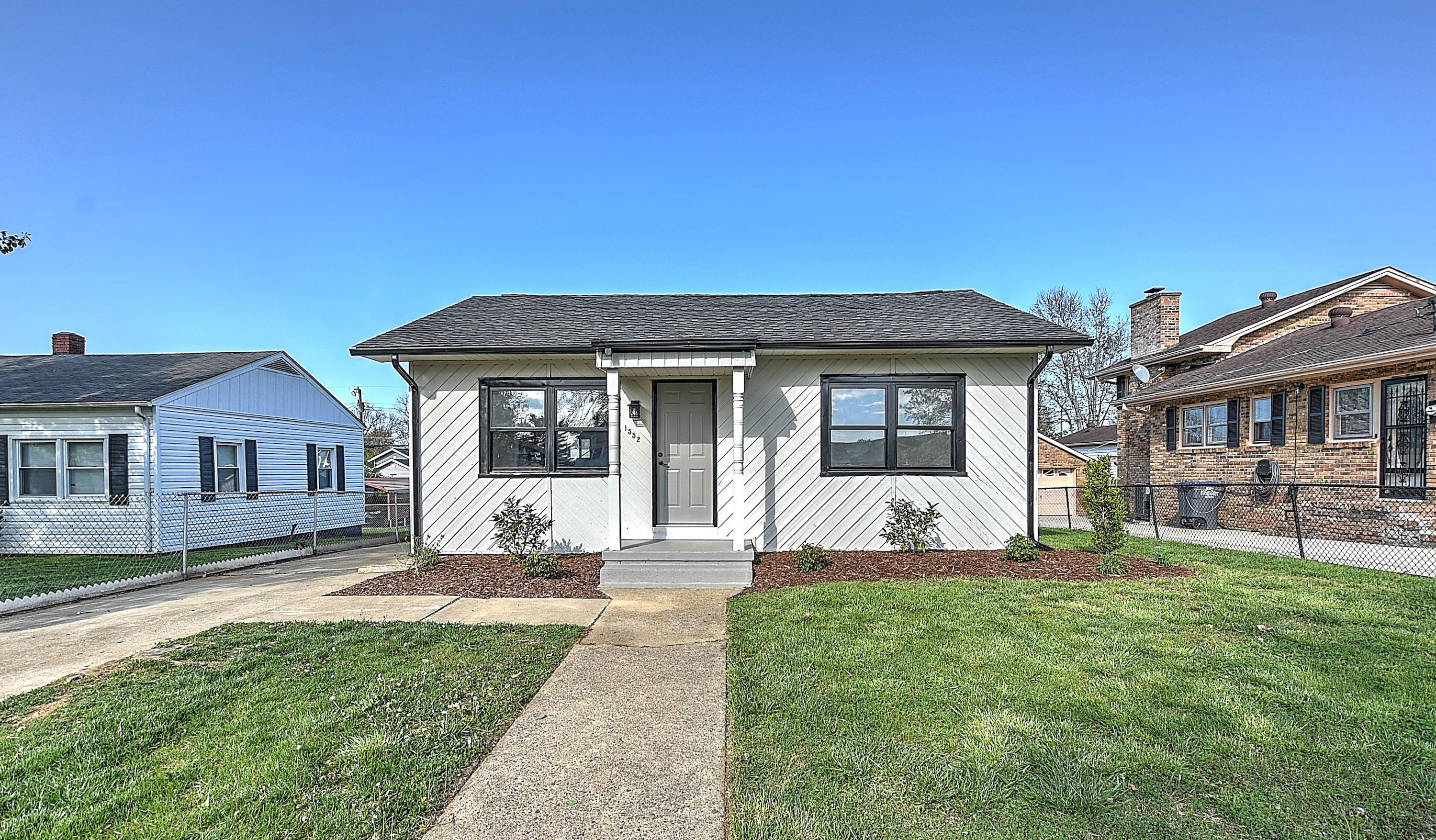 1552 Redwood Drive, Kingsport, Tennessee 37664, 2 Bedrooms Bedrooms, ,1 BathroomBathrooms,Single Family,For Sale,1552 Redwood Drive,9920933