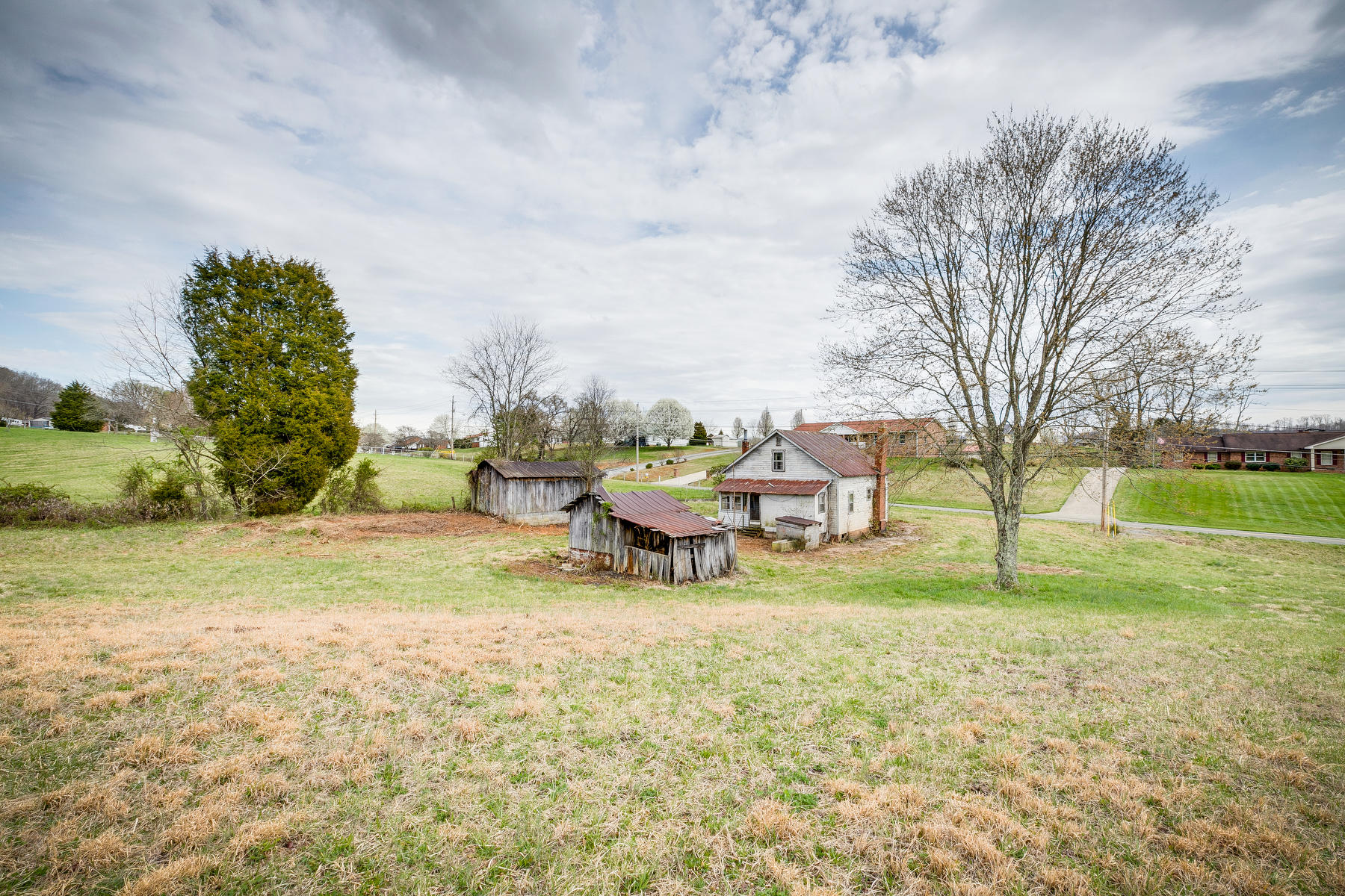 5485 Carters Valley Road, Church Hill, Tennessee 37642, 3 Bedrooms Bedrooms, ,1 BathroomBathrooms,Single Family,For Sale,5485 Carters Valley Road,2,9920856