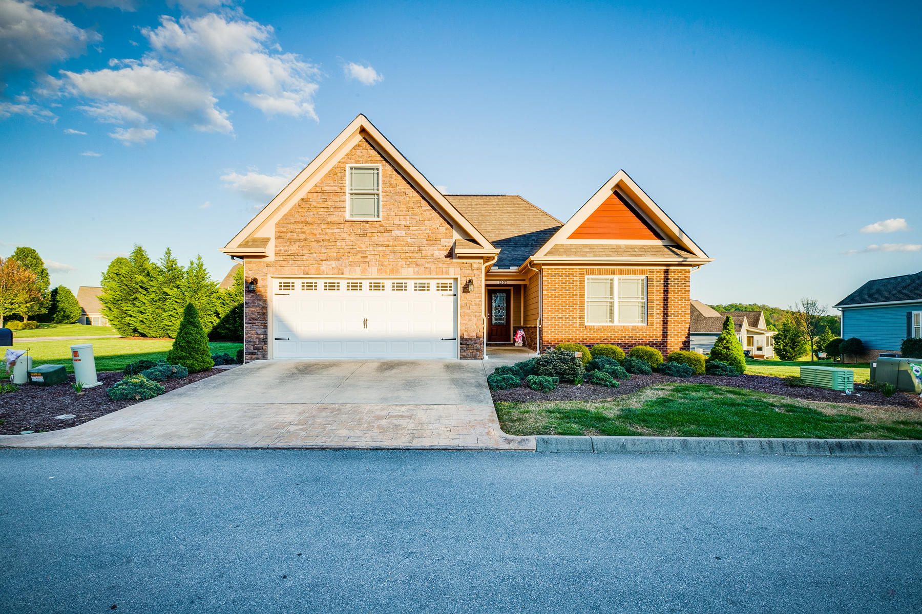 1207 Tuscany Way, Kingsport, Tennessee 37664, 3 Bedrooms Bedrooms, ,2 BathroomsBathrooms,Single Family,For Sale,1207 Tuscany Way,2,9921216