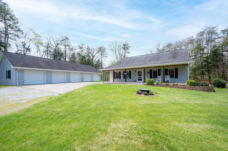 208 Proffitt Lane, Kingsport, Tennessee 37663, 2 Bedrooms Bedrooms, ,3 BathroomsBathrooms,Single Family,For Sale,208 Proffitt Lane,1,9921206