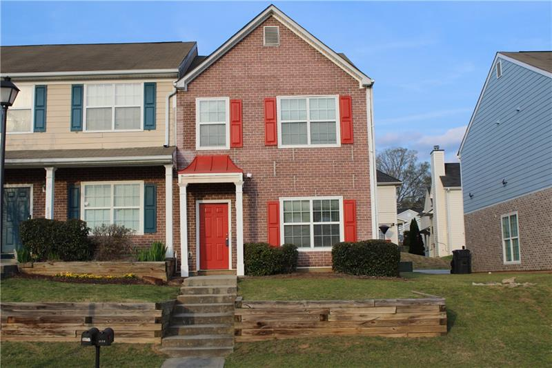 4572 Parkview Square, College Park, Georgia 30349, 3 Bedrooms Bedrooms, ,3 BathroomsBathrooms,Townhouse,For Sale,4572 Parkview Square,2,6866706