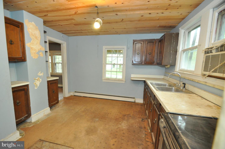 14404 WINNPENNY LN, SILVER SPRING, Maryland 20904, 1 Bedroom Bedrooms, ,1 BathroomBathrooms,Single Family,For Sale,14404 WINNPENNY LN,MDMC752800