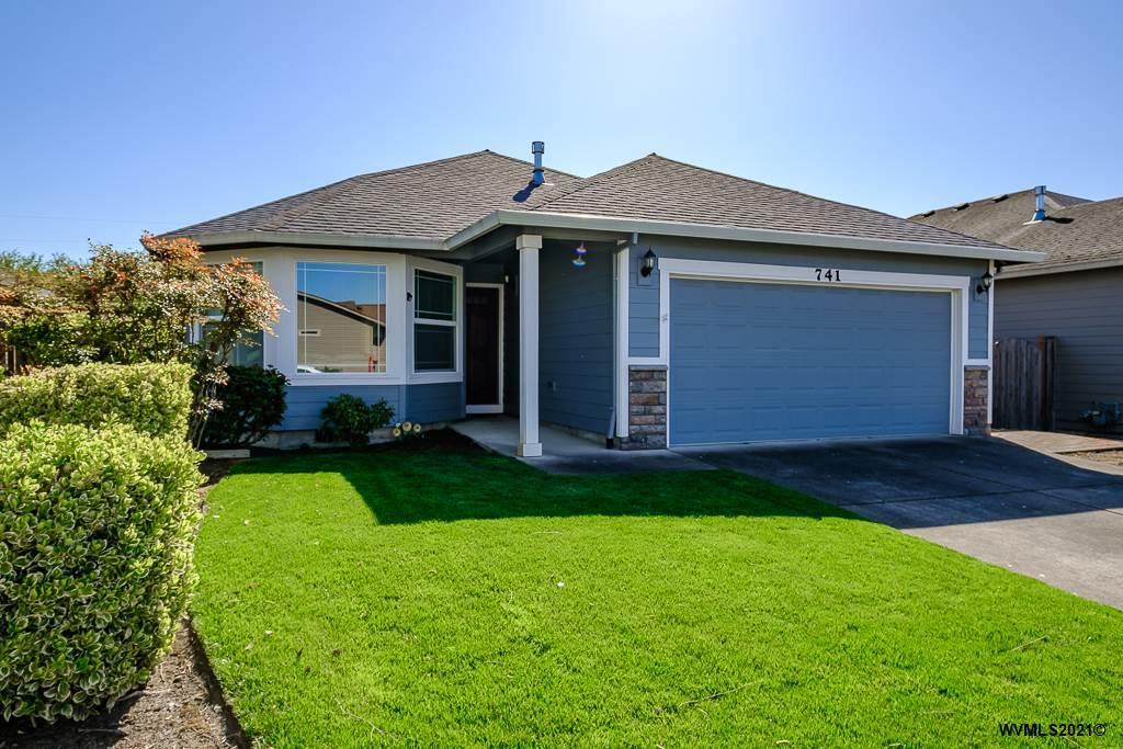 741 Maxwell Av S, Monmouth, Oregon 97361, 3 Bedrooms Bedrooms, ,2 BathroomsBathrooms,Single Family,For Sale,741 Maxwell Av S,1,776044