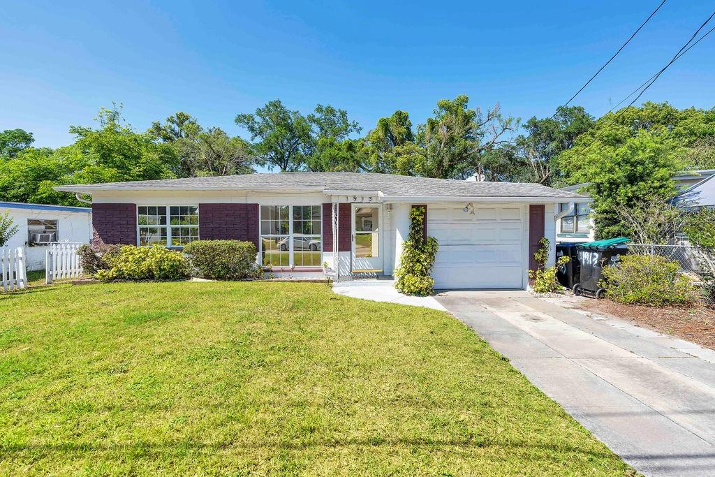 1913 WHITE AVENUE, ORLANDO, Florida 32806, 2 Bedrooms Bedrooms, ,1 BathroomBathrooms,Single Family,For Sale,1913 WHITE AVENUE,1,O5937494