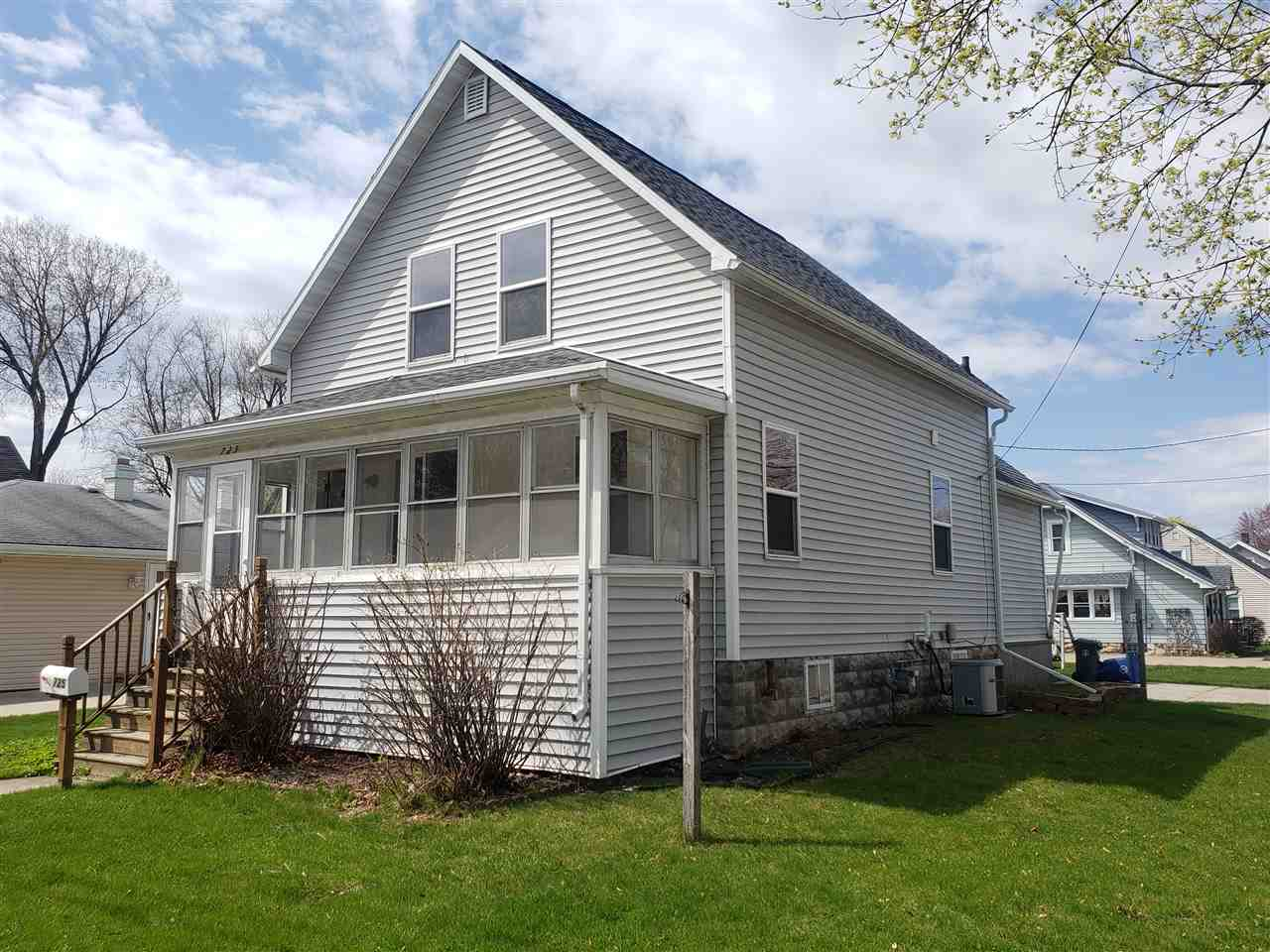725 MADISON Street, Little Chute, Wisconsin 54140, 3 Bedrooms Bedrooms, ,1 BathroomBathrooms,Single Family,For Sale,725 MADISON Street,1.5,50238654