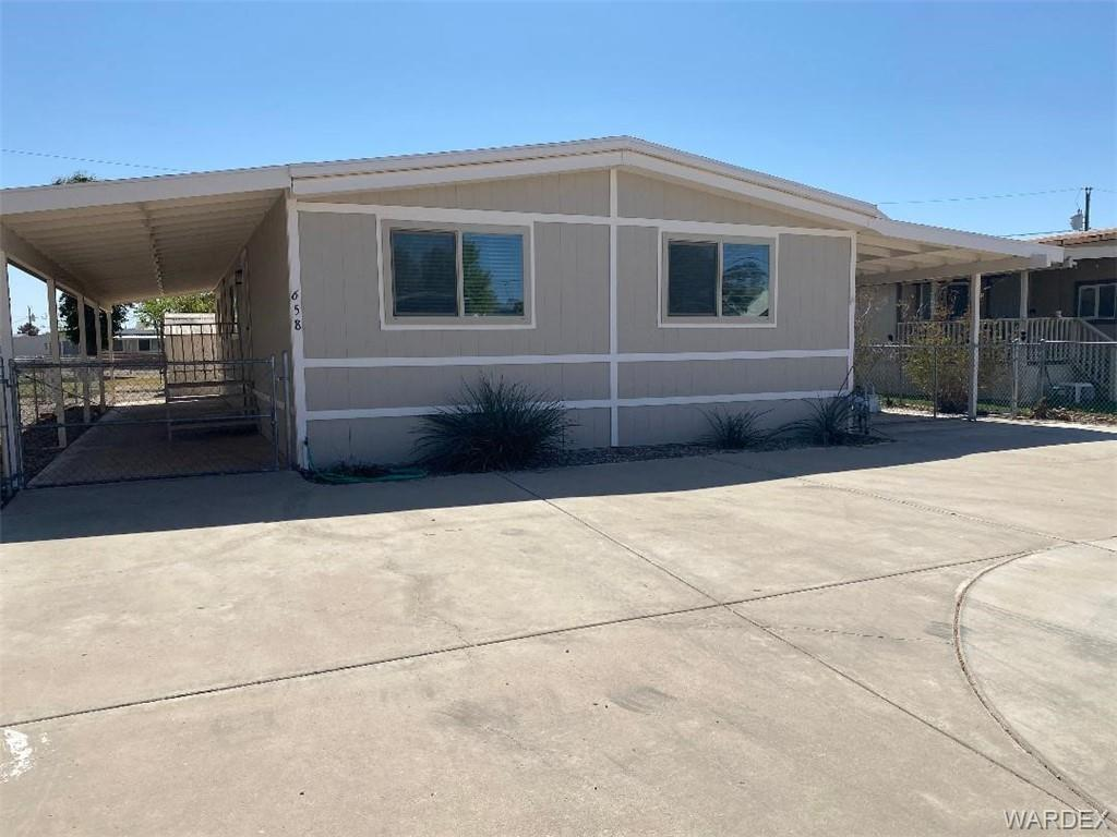 658 E Clearview Drive, Mohave Valley, Arizona 86440, 3 Bedrooms Bedrooms, ,2 BathroomsBathrooms,Residential,For Sale,658 E Clearview Drive,980143