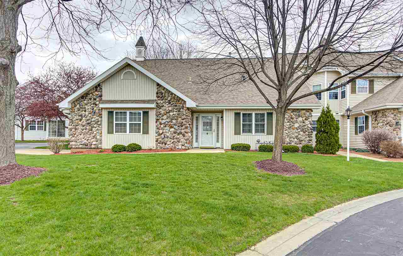 5696 Steeplechase Dr, Waunakee, Wisconsin 53597, 3 Bedrooms Bedrooms, ,3 BathroomsBathrooms,Condominium,For Sale,5696 Steeplechase Dr,1906702