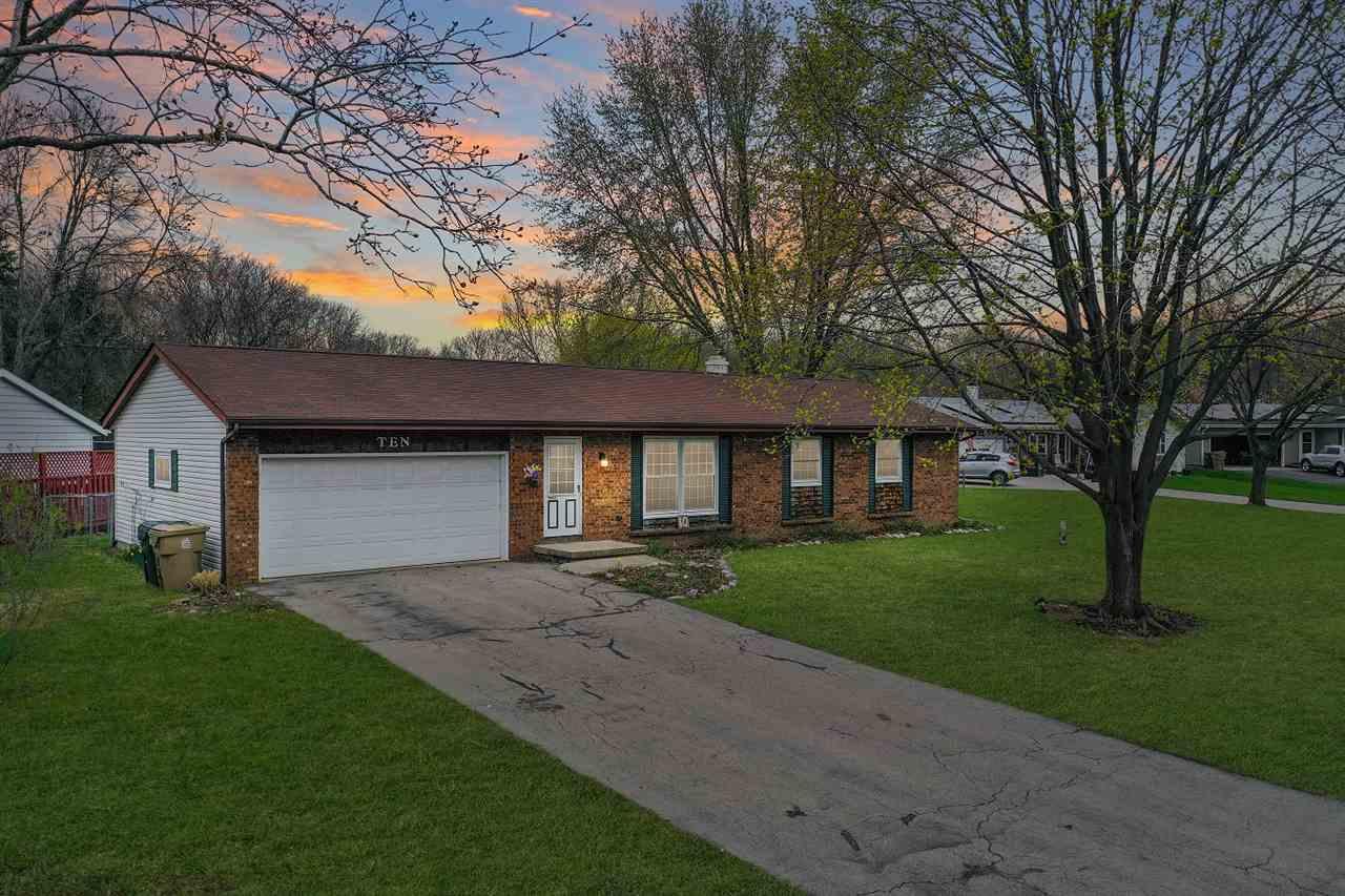 10 Coffey Cir, MADISON, Wisconsin 53716, 3 Bedrooms Bedrooms, ,2 BathroomsBathrooms,Single Family,For Sale,10 Coffey Cir,1,1906518