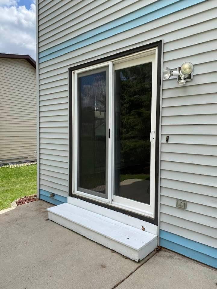 1200 Sunfield St, Sun Prairie, Wisconsin 53590, 3 Bedrooms Bedrooms, ,2 BathroomsBathrooms,Single Family,For Sale,1200 Sunfield St,2,1906289