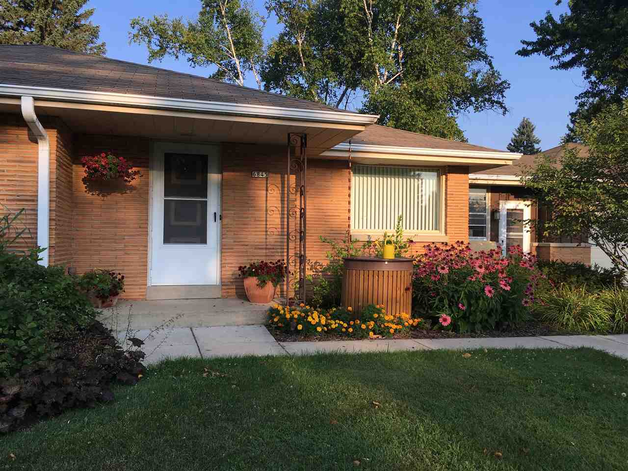 6845 N 102nd St, Milwaukee, Wisconsin 53224, 3 Bedrooms Bedrooms, ,1 BathroomBathrooms,Single Family,For Sale,6845 N 102nd St,1,1906784