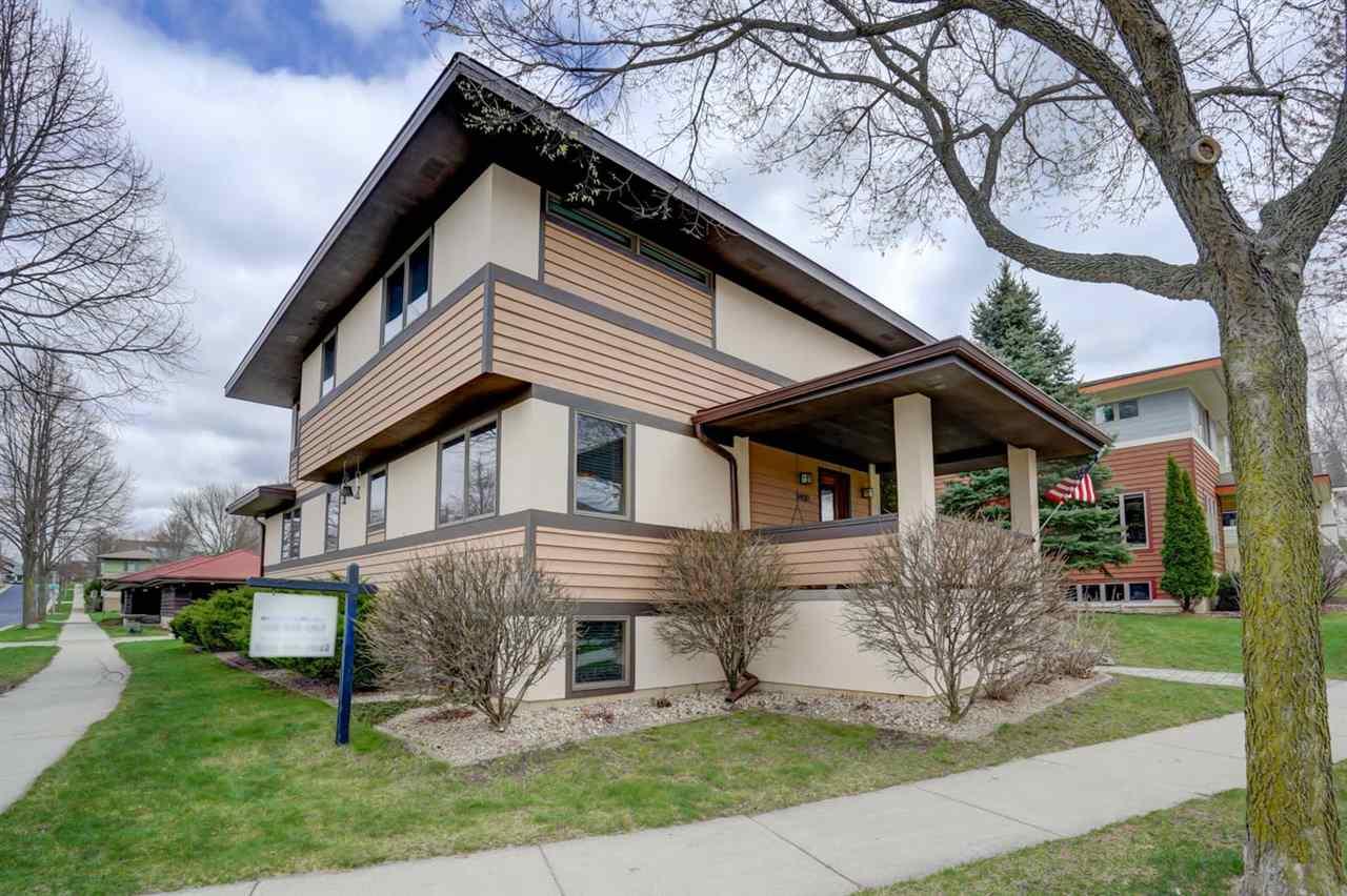 3400 John Muir Dr, Middleton, Wisconsin 53562, 4 Bedrooms Bedrooms, ,4 BathroomsBathrooms,Single Family,For Sale,3400 John Muir Dr,2,1906336