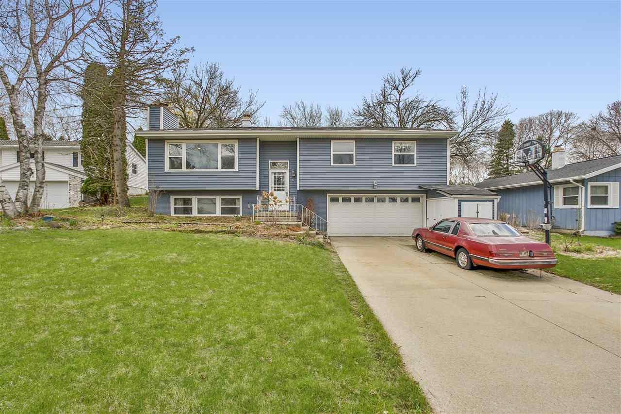 5 Shefford Cir, MADISON, Wisconsin 53719, 3 Bedrooms Bedrooms, ,2 BathroomsBathrooms,Single Family,For Sale,5 Shefford Cir,1906614