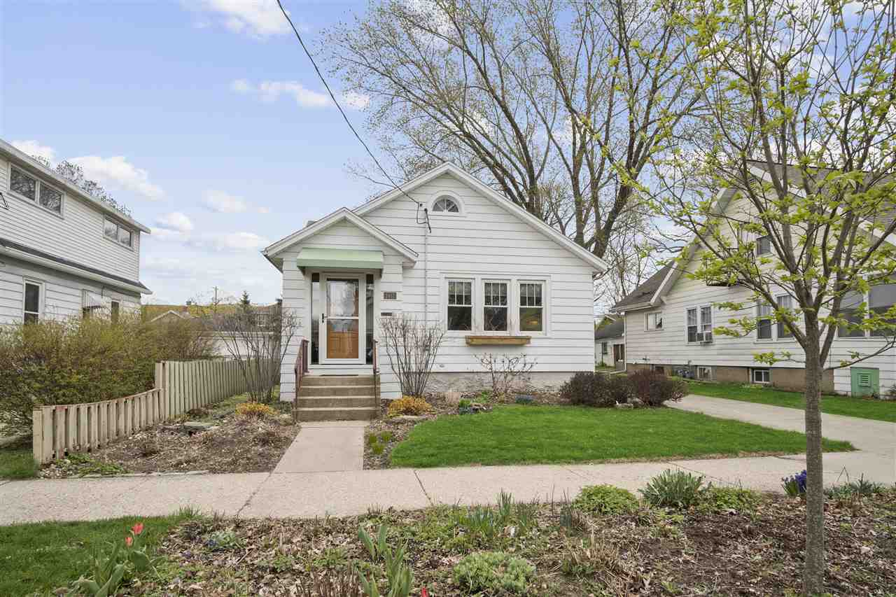 2417 Upham St, MADISON, Wisconsin 53704-4968, 2 Bedrooms Bedrooms, ,1 BathroomBathrooms,Single Family,For Sale,2417 Upham St,1,1906443