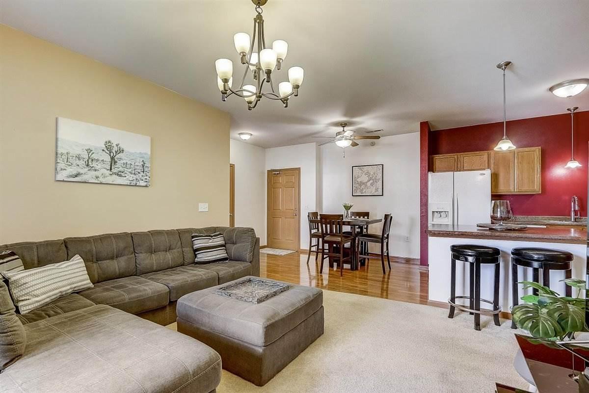 5831 Lupine Ln, MADISON, Wisconsin 53718, 2 Bedrooms Bedrooms, ,2 BathroomsBathrooms,Condominium,For Sale,5831 Lupine Ln,1906309
