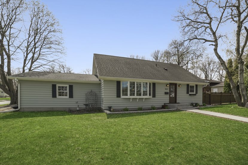 4921 Academy Dr, MADISON, Wisconsin 53716, 4 Bedrooms Bedrooms, ,3 BathroomsBathrooms,Single Family,For Sale,4921 Academy Dr,1.5,1906341