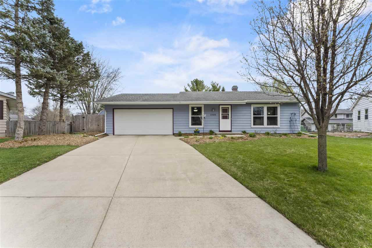 2305 Waltham Rd, MADISON, Wisconsin 53711, 3 Bedrooms Bedrooms, ,2 BathroomsBathrooms,Single Family,For Sale,2305 Waltham Rd,1,1906436