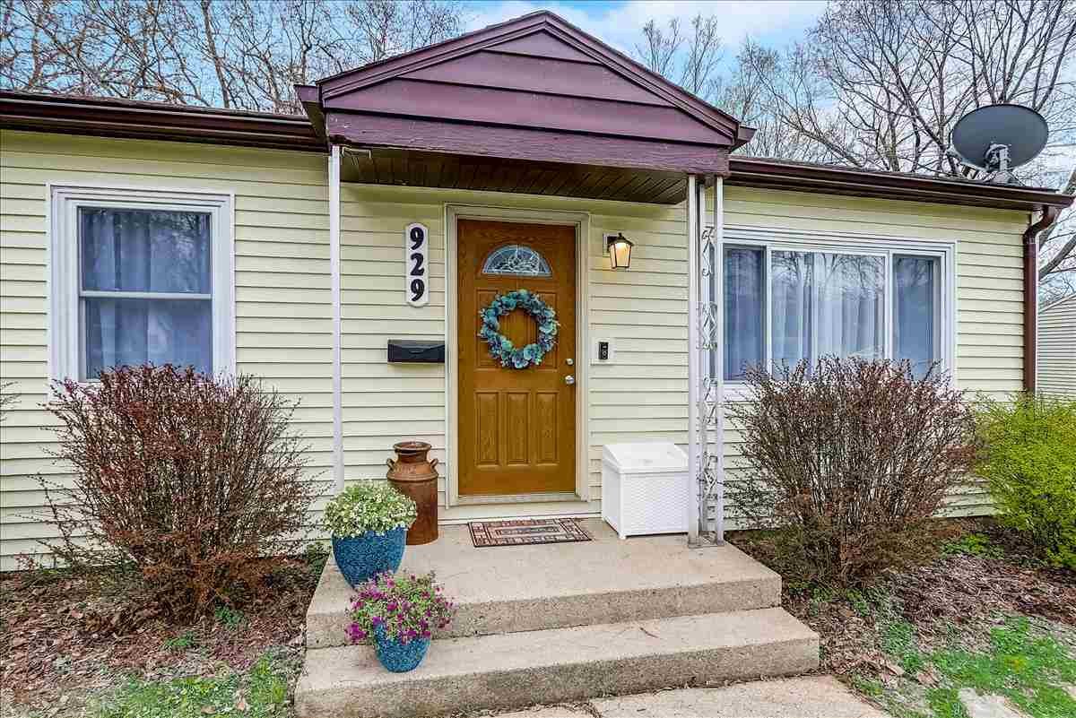 929 Blaine Dr, MADISON, Wisconsin 53704, 2 Bedrooms Bedrooms, ,1 BathroomBathrooms,Single Family,For Sale,929 Blaine Dr,1,1905842