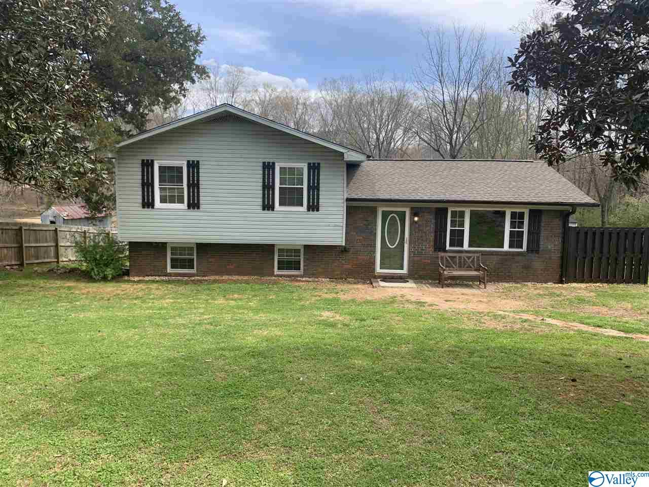 148 RUBY DRIVE, HUNTSVILLE, Alabama 35811, 3 Bedrooms Bedrooms, ,2 BathroomsBathrooms,Single Family,For Sale,148 RUBY DRIVE,1776749
