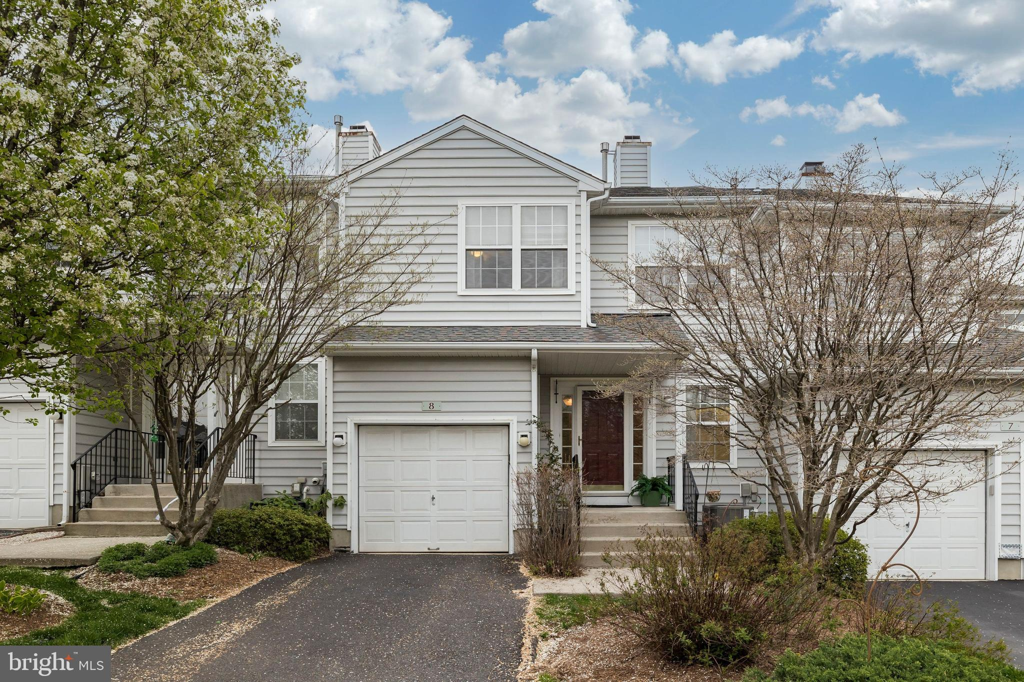 8 VICTORIA CIRCLE, COLLEGEVILLE, Pennsylvania 19426, 2 Bedrooms Bedrooms, ,3 BathroomsBathrooms,Townhouse,For Sale,8 VICTORIA CIRCLE,PAMC689590