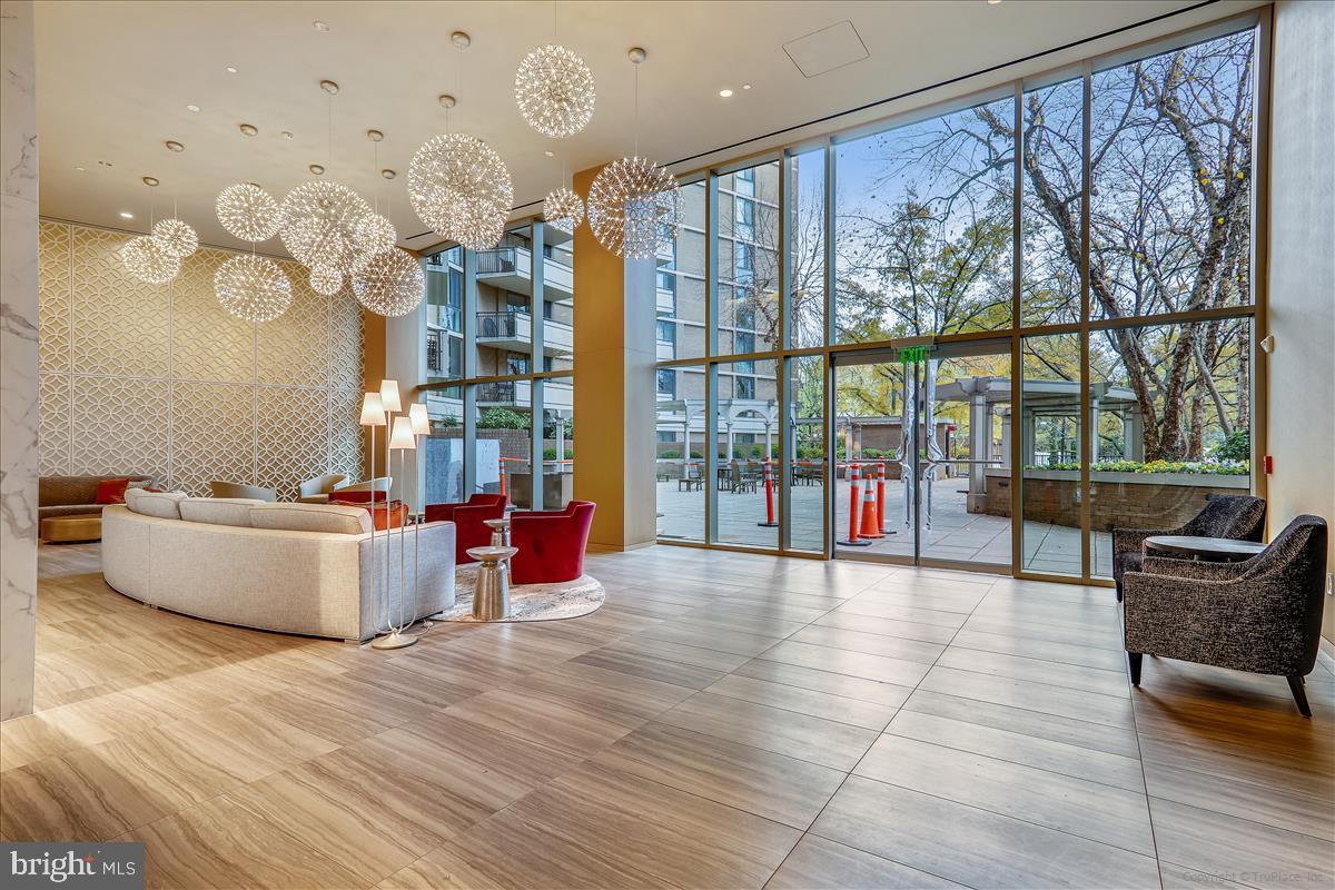 4620 N PARK AVENUE, CHEVY CHASE, Maryland 20815, 2 Bedrooms Bedrooms, ,3 BathroomsBathrooms,Condominium,For Sale,4620 N PARK AVENUE,MDMC752520