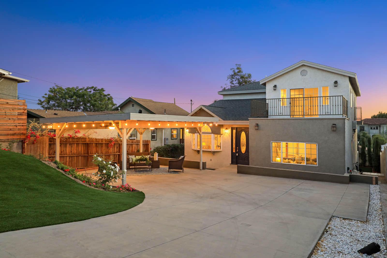2506 Berkeley Avenue, Los Angeles, California 90026, 4 Bedrooms Bedrooms, ,5 BathroomsBathrooms,Single Family,For Sale,2506 Berkeley Avenue,2,21003156