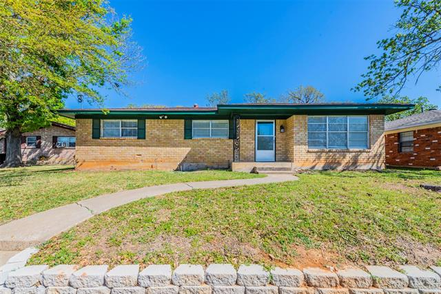 903 Seymore Circle, Denison, Texas 75020, 3 Bedrooms Bedrooms, ,2 BathroomsBathrooms,Single Family,For Sale,903 Seymore Circle,1,14553024