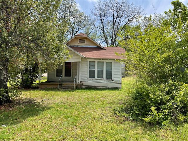 400 W Elm Street, Denison, Texas 75020, 2 Bedrooms Bedrooms, ,1 BathroomBathrooms,Single Family,For Sale,400 W Elm Street,1,14557564