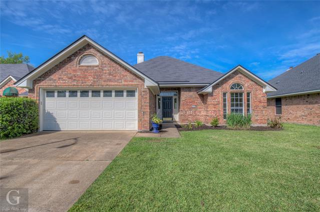 2209 Woodbridge Street, Bossier City, Louisiana 71111, 3 Bedrooms Bedrooms, ,2 BathroomsBathrooms,Single Family,For Sale,2209 Woodbridge Street,1,14556883