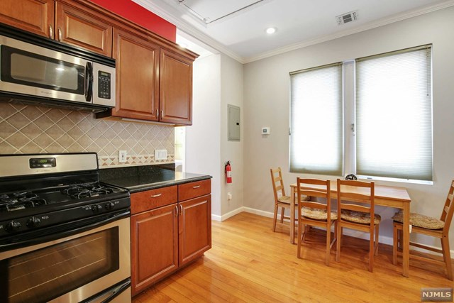 2608 Kennedy Boulevard, Union City, New Jersey 07087, 3 Bedrooms Bedrooms, ,1 BathroomBathrooms,Townhouse,For Sale,2608 Kennedy Boulevard,21014380