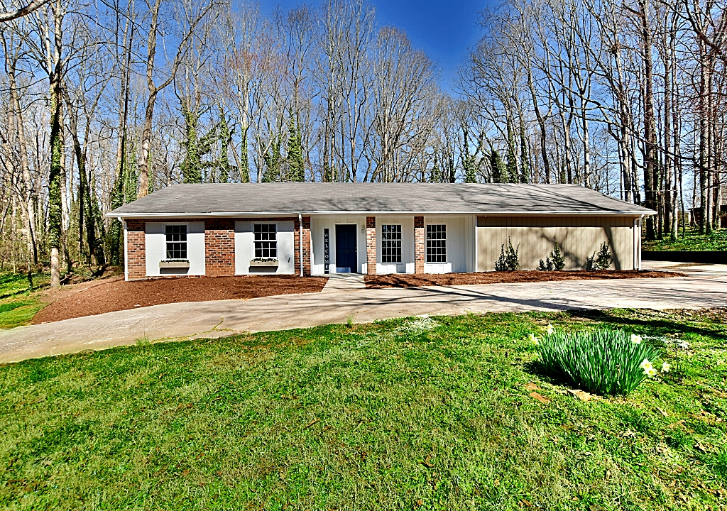 1823 Wildwood Dr., Charlotte, North Carolina 28214, 3 Bedrooms Bedrooms, ,2 BathroomsBathrooms,Single Family,For Sale,1823 Wildwood Dr.,3717174