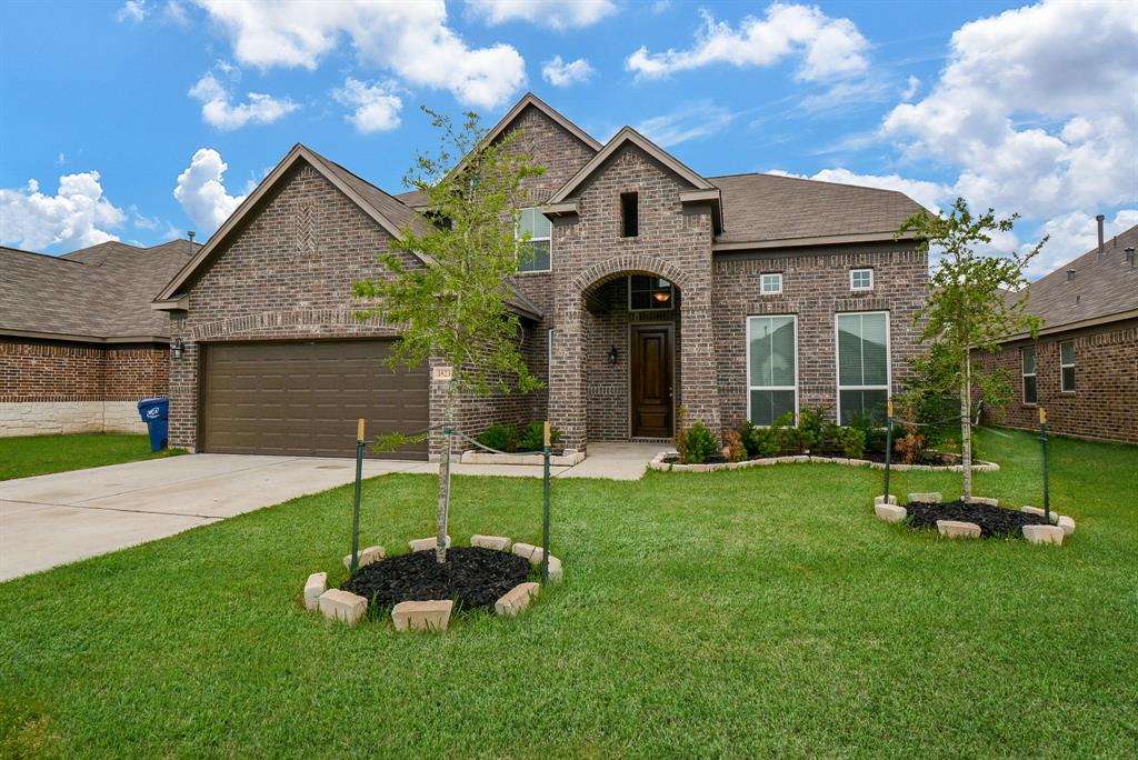 1823 Walnut Green Circle, Rosenberg, Texas 77471, 4 Bedrooms Bedrooms, ,4 BathroomsBathrooms,Single Family,For Sale,1823 Walnut Green Circle,2,70068019