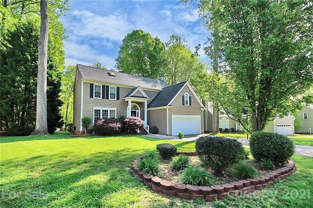 9630 Newby Lane, Matthews, North Carolina 28105-3739, 4 Bedrooms Bedrooms, ,3 BathroomsBathrooms,Single Family,For Sale,9630 Newby Lane,2,3726707