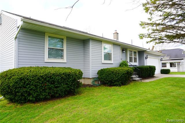 37001 SIBLEY Road, New Boston, Michigan 48164, 3 Bedrooms Bedrooms, ,3 BathroomsBathrooms,Single Family,For Sale,37001 SIBLEY Road,1,2210027052
