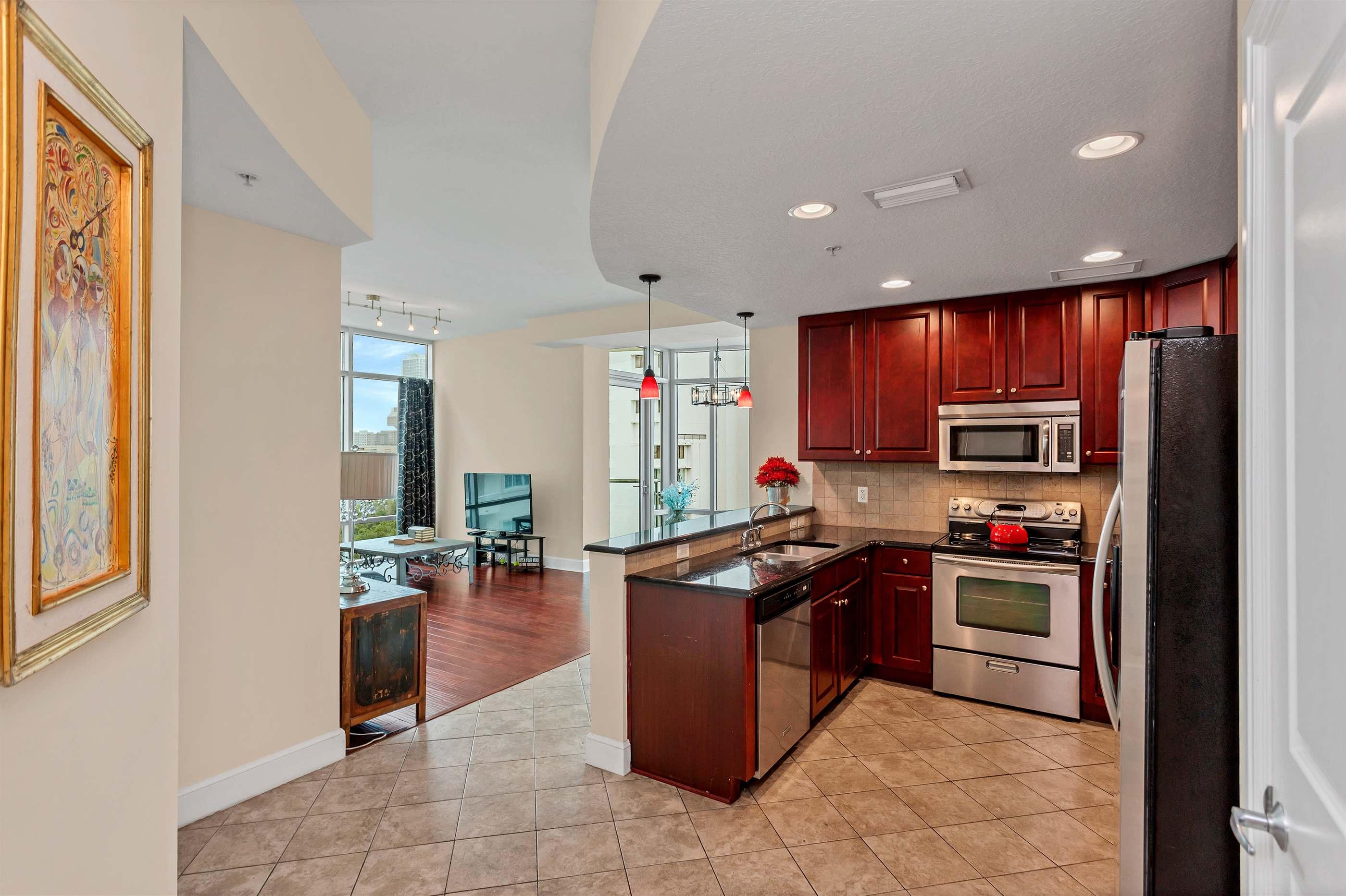 101 South Eola Drive, ORLANDO, Florida 32801, 2 Bedrooms Bedrooms, ,2 BathroomsBathrooms,Condominium,For Sale,101 South Eola Drive,O5936608